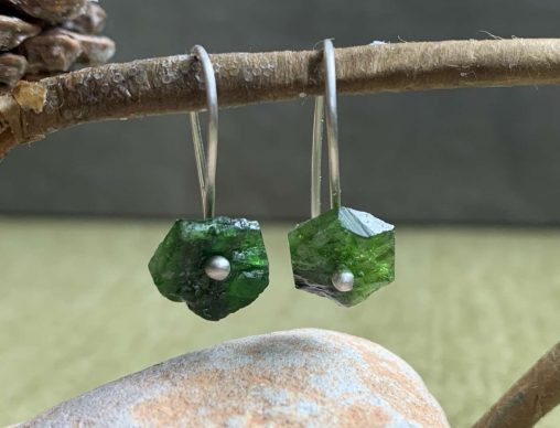 chrome diopside drop earrings